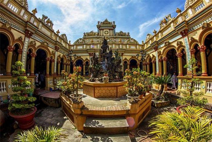 Chùa Vĩnh Tràng - Ngôi Chùa nổi tiếng Miền Tây