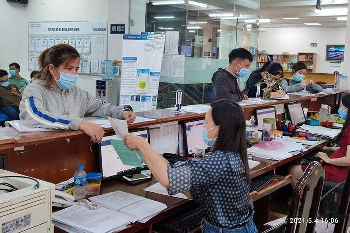 TP.HCM: Trả gộp 2 tháng lương hưu, trợ cấp BHXH trong tháng 5
