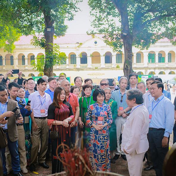 Truyền hình Nguồn Việt: Giáo sư sử học Lê Văn Lan giới thiệu lịch sử điện Kính Thiên