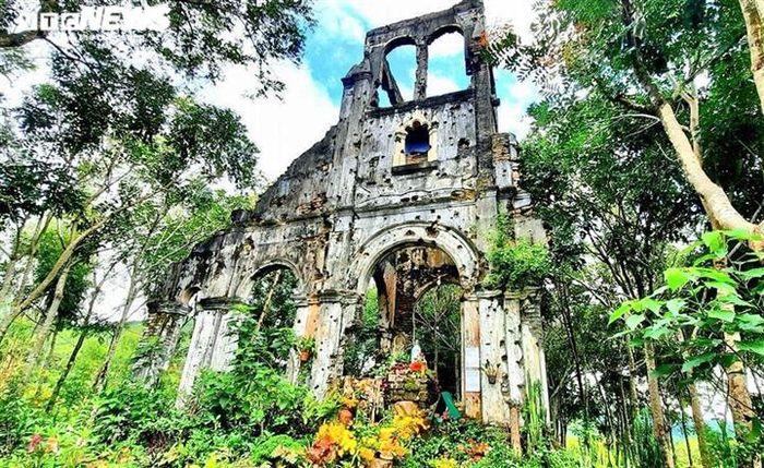 Chiêm ngưỡng nhà thờ cổ hơn 100 năm tuổi ở phố núi Gia Lai
