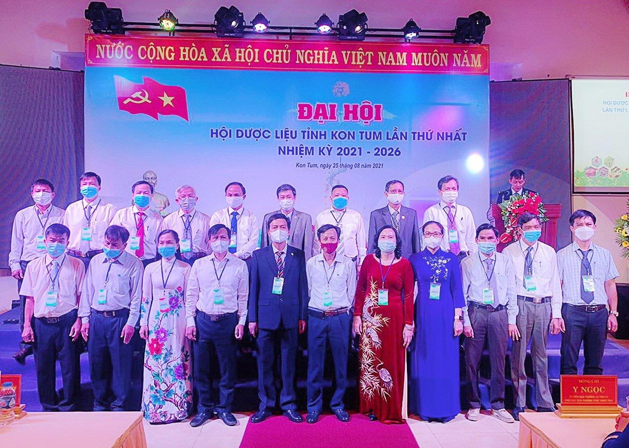 Đại diện Công ty CP Sâm Ngọc Linh Tu Mơ Rông - Kon Tum được bầu vào Ban chấp hành Hội Dược liệu tỉnh Kon Tum